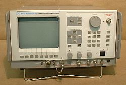 Motorola R2600A Communications Service Monitor